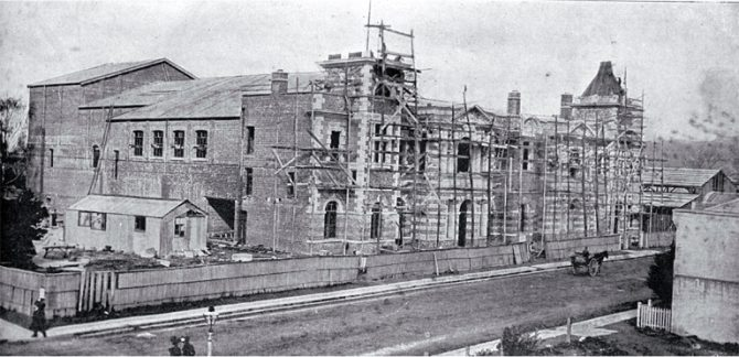 Construction of the Agricultural and Industrial Hall (later the City Municipal Chambers) in Manchester Street [1900]. CCL PhotoCD 14 IMG0068