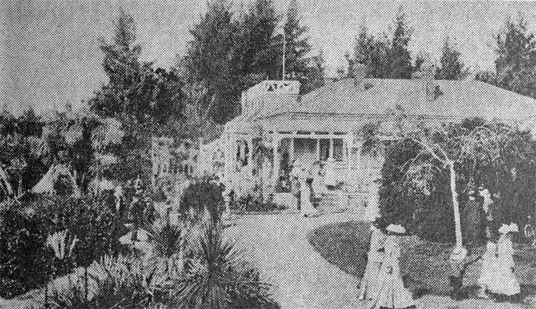 Professor Bickerton's home and the promenade, from the Wainoni entrance [190-]