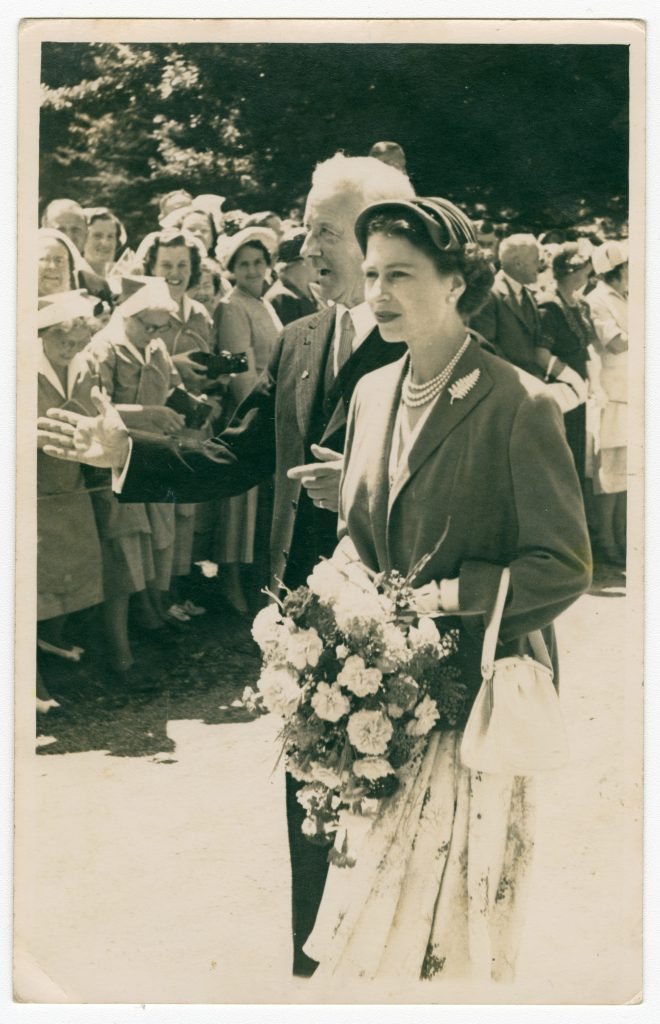Royal Visit of Queen Elizabeth II. January 1954. Entry by Shirley Kerr in the 2018 Christchurch City Libraries Photo Hunt. CC BY-NC-SA 4.0. CCL-PH18-001 https://discoverywall.nz/album/745/46021
